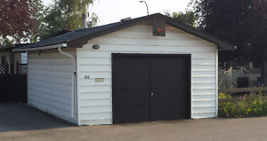 16 x 20 Insulated Garage with Furnace