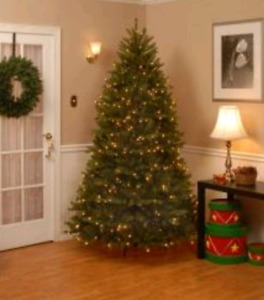 NEW IN BOX 6.5 DUNHILL ARTIFICIAL CHRISTMAS TREE  650 LED LIGHTS