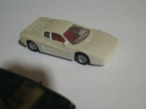 HO scale exotic sports car White for electric model trains