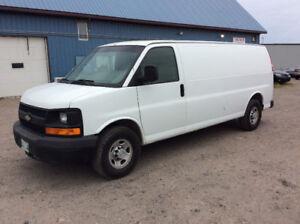 2007 Chevrolet Express 2500 Minivan, Van