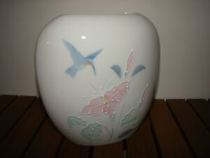 Vintage flat porcelain vase with Hummingbird & Hibiscus