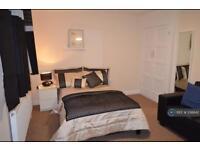 1 bedroom in Havering Road, Romford, RM1