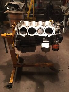 2004 - Land Rover 4.6 Engine Block and Parts