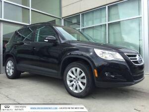 2011 Volkswagen Tiguan HEATED SEATS/PANORAMIC SUNROOF/LEATHER/4M