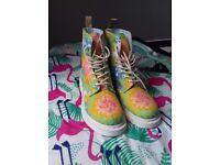 VEGAN UK 8 Dr Marten Tie Dye Boots