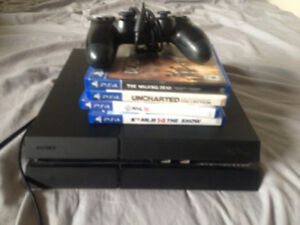 Ps4 500gb Uncharted bundle 200$ 1-2 controller 4 games