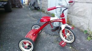 RADIO FLYER RED AND WHITE ALL METAL TRIKE