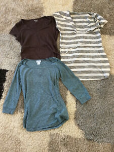 Small maternity clothes in excellent condition