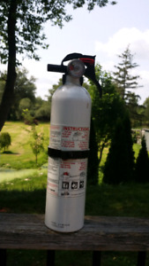 Brand NEW Fire extinguisher. ..never been used