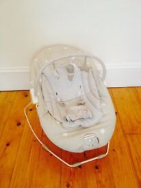 Mamas and Papas baby bouncer with vibration and melody