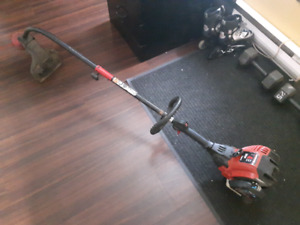 Yard machine  4 temps A Gaz  Enbout weed eater  Enbout taille ha