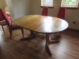 EXTENDABLE DINING TABLE PLUS CHAIRS