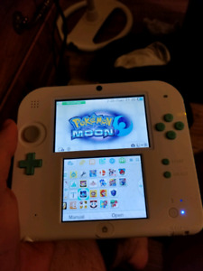 Nintendo 2ds with 17 games