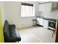 Gas and water bills included - Bright 1 bed apartment in Holloway Rd , Islington, N7