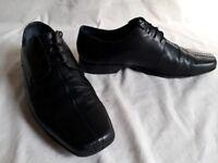 Clarks Black Leather Shoe UK9