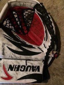 Vaughn velocity senior goalie glove