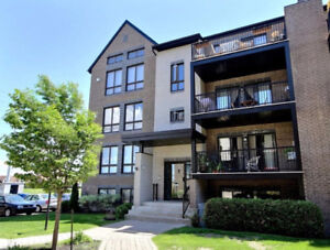 Bright & Spacious 4 1/2 Condo - 5 min from Dix30 - for OCT 1st