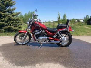Suzuki Intruder 800cc in excellent shape low kms