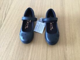 BRAND NEW!! NEXT girls flashing school shoes size 10