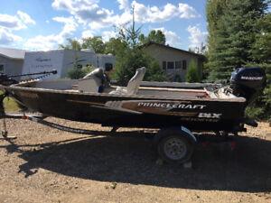 2012 Princecraft Resorter DXL Fishing boat