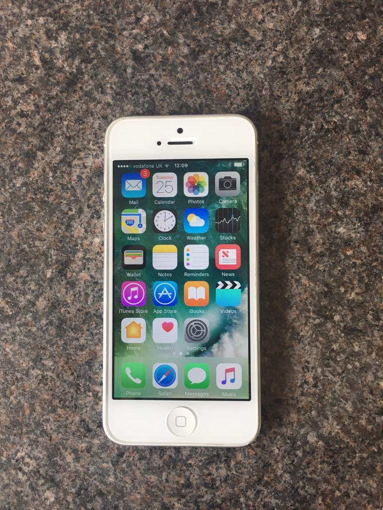 apple iphone 5 32gb in binfield berkshire gumtree. Black Bedroom Furniture Sets. Home Design Ideas