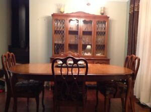 CHINA CABINET/DINING ROOM SET/CHAIRS