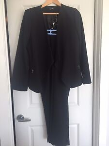 Unlisted by Kenneth Cole suit. Women's 16