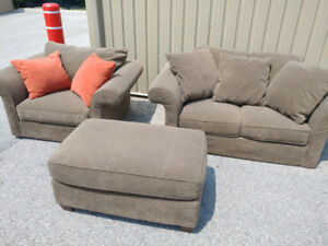 MANY 20+ COUCHES FREE DELIVERY CREDIT CARD ACCEPTED