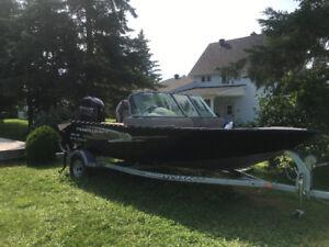 2014 Princecraft Fishing Boat