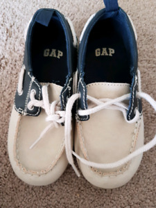 Brand new gap shoes size 10/11