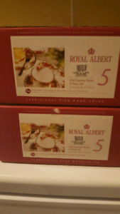 2 sets of Royal Albert Old Country Rose 5 price dish sets