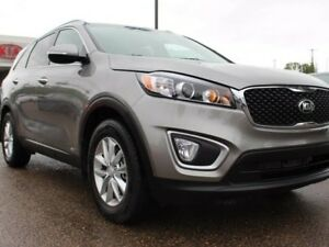 2016 Kia Sorento 2.4L LX AWD, LOW KMS!! HEATED SEATS, AUX/USB, B