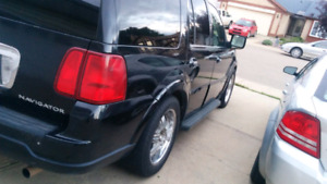 Lincoln Navigator 2005 luxury SUV