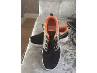 New Nike Roshe Trainers size 5. Original