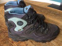 Women's Merrell Polartec walking boots 6.5