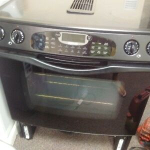 Beautiful stovetop oven -one left wont last!