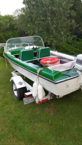 Motor boat with 14 foot trailer