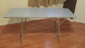 Awesome NEW RETRO Metal Folding Tables