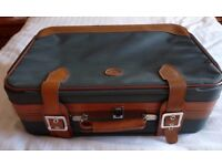 RETRO SUITCASE 1970's - GREEN/TAN - CONSTELLATION INTERNATIONAL