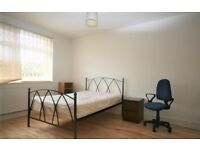 AVAIL SEP - GREAT LOCATION- THREE OR FOUR BED FLAT IN SE1 BERMONDSEY OR LONDON BRIDGE ONLY £580