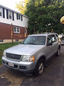 2002 Ford Explorer XLT 4x4 for Parts