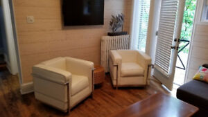 Fully-furnished central pied-a-terre w balcony, washer/dryer