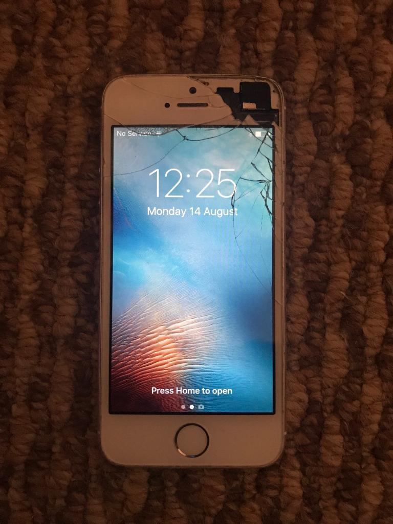 iPhone 5s on o2in Fintona, County TyroneGumtree - Phone working perfect Cracked screenOn o2 Comes with leadCheap to clear £75 ono