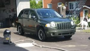 Jeep compas 2008 146500km 3500$ ou échange 4388896577