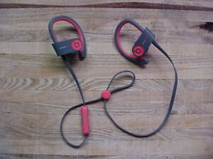 Power Beats 2 wireless eaphones genuine Dr Dre Apple w/ serial #