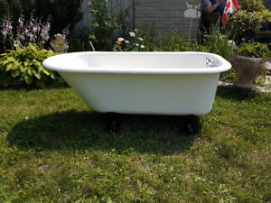 Antique Claw Cast Iron Bathtub!
