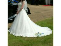 Reduced Stunning Wedding dress size 10