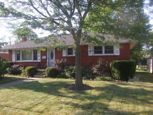 St Thomas, Immaculate 3 Bed Ranch