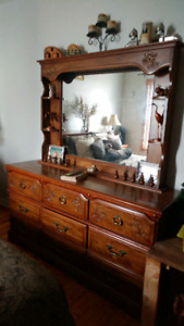 MUST SELL/CHEAP....GORGEOUS HARDWOOD BEDROOM SET FURNITURE