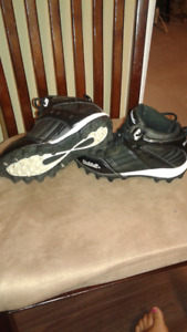 Riddell Youth Football Cleats